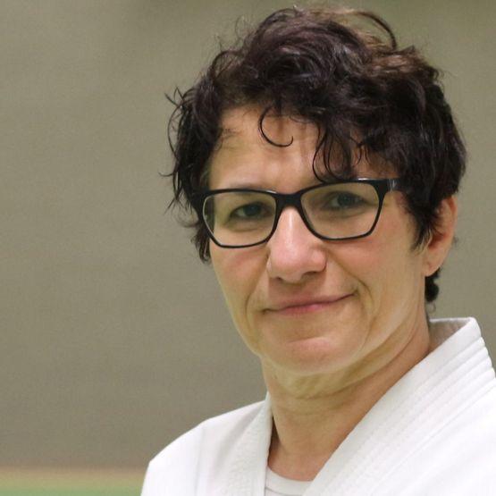 Maria Calaitzidou-Foidl, I. Dan